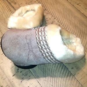Women's Isotoner microsuede slippers.